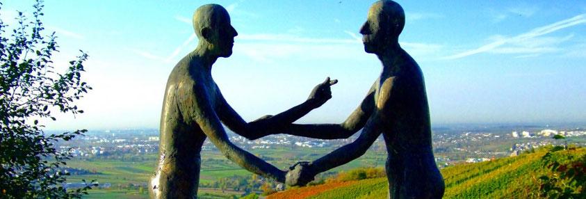 """Skulpturenweg in Strümpfelbach """"Dialog"""" Bildquelle: Stadt Weinstadt"""