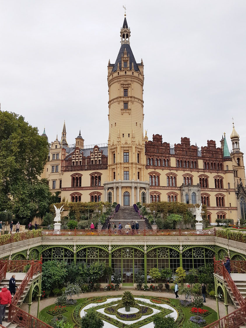 Schloss Schwerin, Gartenseite