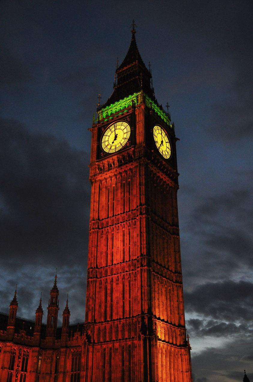 """Der im Jahr 2012 """"Elizabeth Tower"""" getaufte Uhrturm wird häufig ebenfalls Big Ben genannt"""