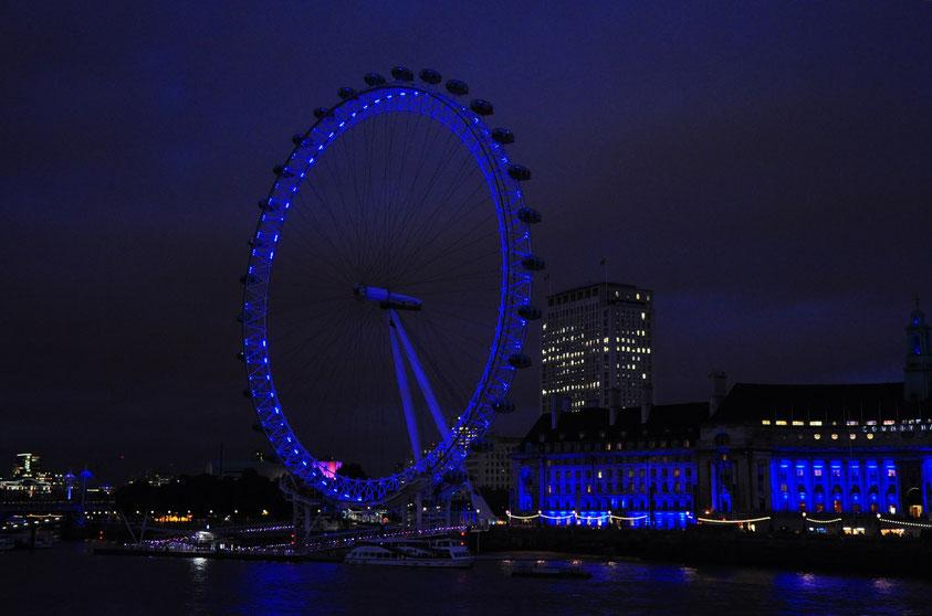London Eye, auch bekannt als Millennium Wheel, ist mit einer Höhe von 135 Metern das höchste Riesenrad Europas.