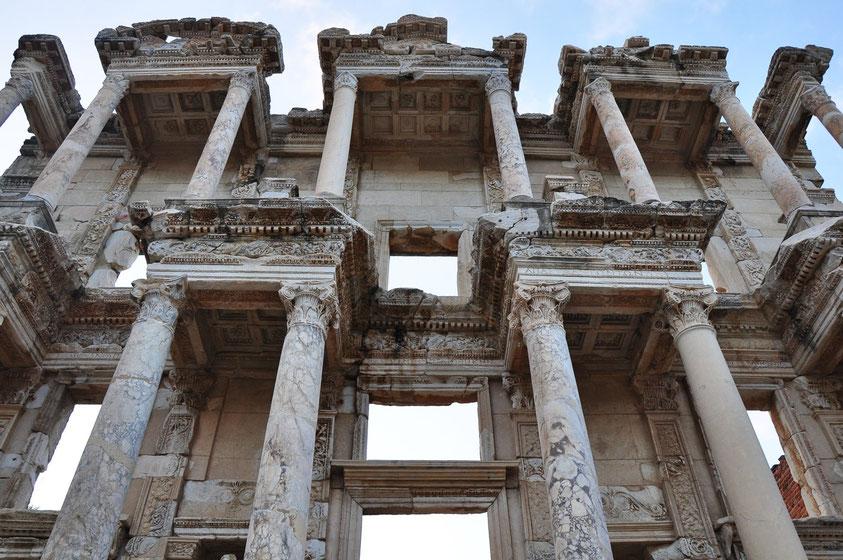 Wiederaufgebaute Fassade der Celsus-Bibliothek