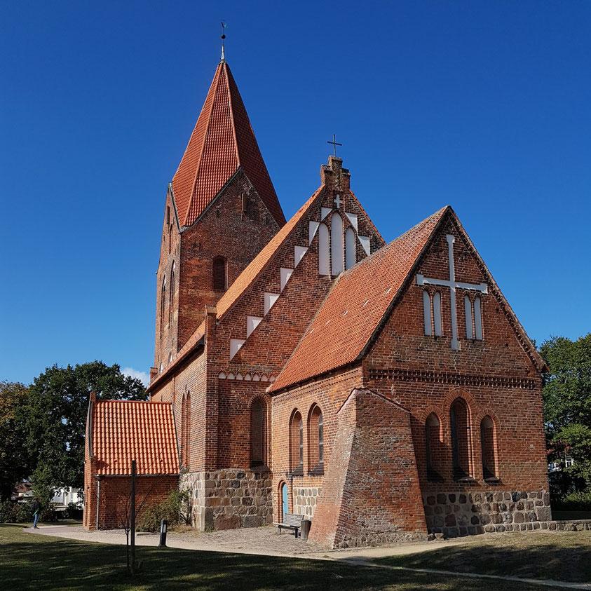 Johanneskirche in Rerik, eine Dorfkirche der Backsteingotik aus dem 13. Jahrhundert