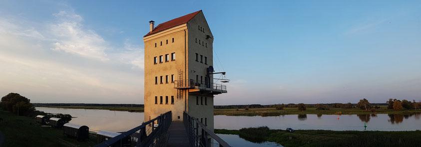 Alter Verladeturm in Groß Neuendorf an der Oder