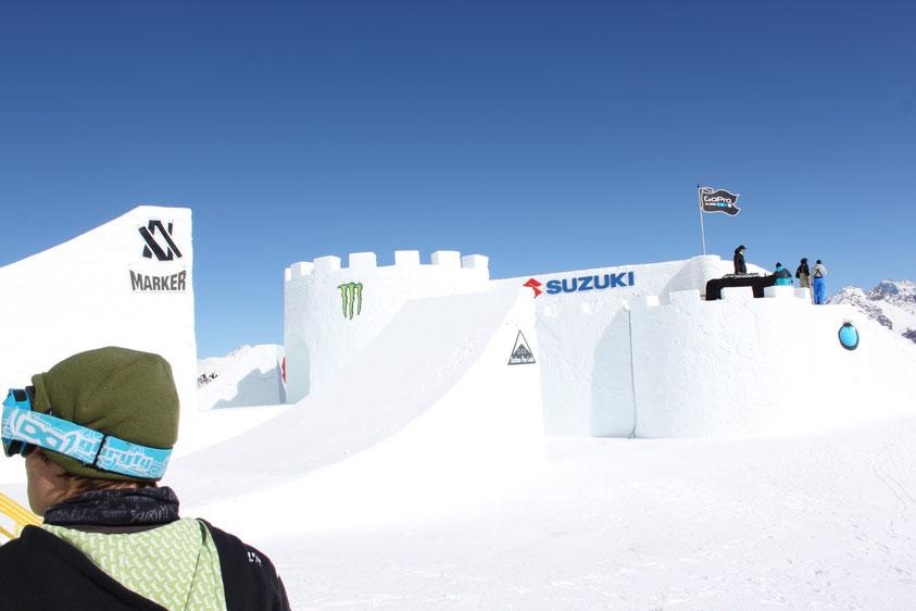 Snowboarden in Halfpipes und Contests am Penken - Mayrhofen, Action-Park Kreuzwiese Zell im Zillertal, Hintertuxer Gletscher, Stubaier Gletscher, Kaunertaler Gletscher,...