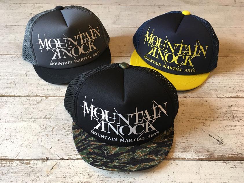 Mountain Martial Arts(マウンテンマーシャルアーツ)× Hunger Knock Tsuba-tan Cap 各¥5,940(税込)