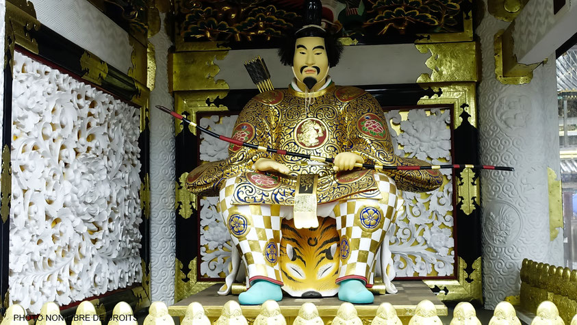 Divinité kami à la porte Yomei-mon, sancutaire de Nikko, Japon, photo non libre de droits