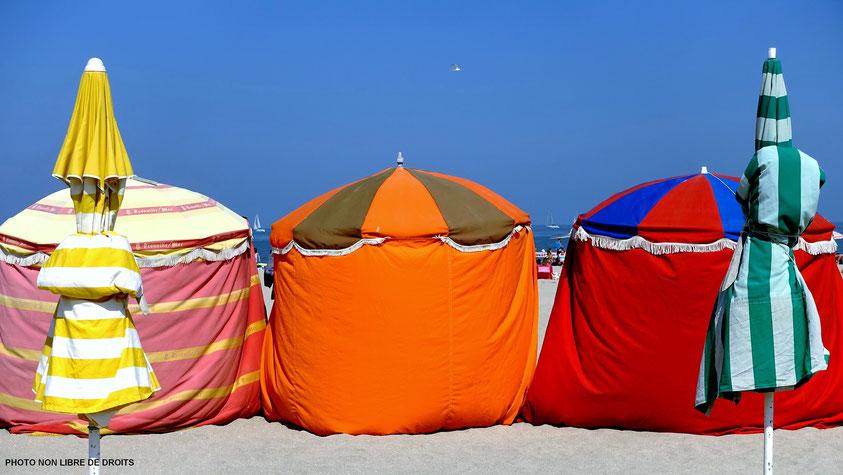 Les tentes en vacances, Trouville, photo non libres de droit