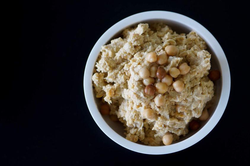 Paprika-Chili-Hummus | proteinreich, clean & schnell zubereitet