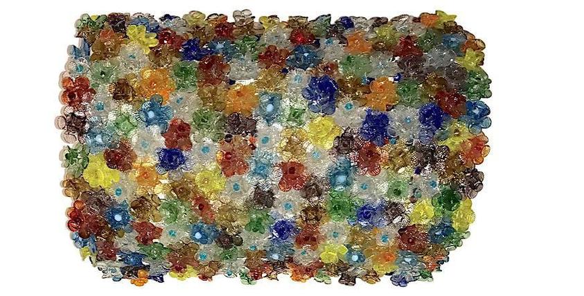 plafoniera--composta-da-rose-in-vetro-di-murano-colori-diversi