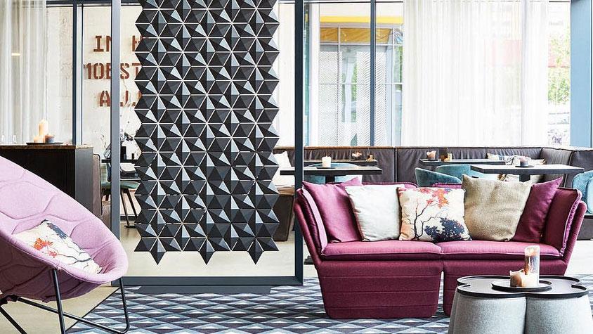 décoration origami; mur origami; panneau triangle; Room Divider Facet Bloomming; Café Bar Moderne; Séparation de Pièce; Cloison Géométrie Origami Noir