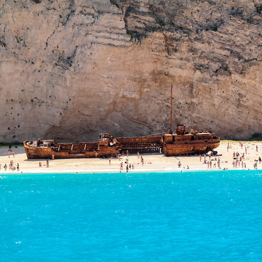 Navagio Beach Zakynthos | Shipwreck Bay | Traumhafte Bucht mit imposanten Felsvorsprüngen & Karibik Flair | hot-port.de | Lifestyle Blog