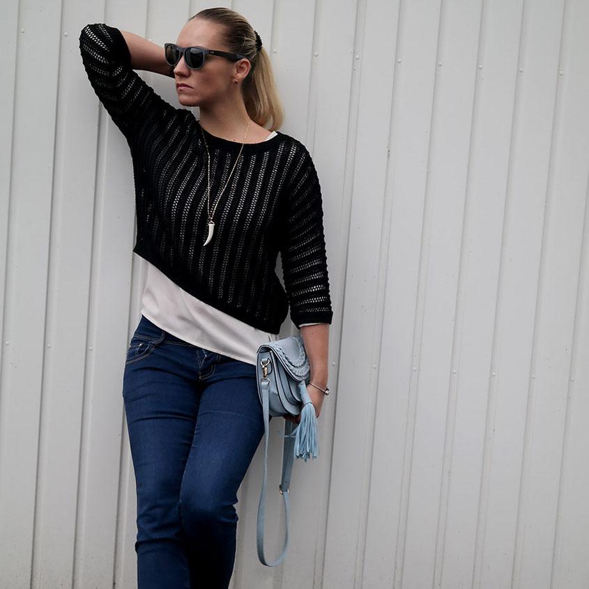 Outfit Maschenpullover von Hallhuber & Quasten Tasche | Tassel Bag | hot-port.de | 30+ Style Blog