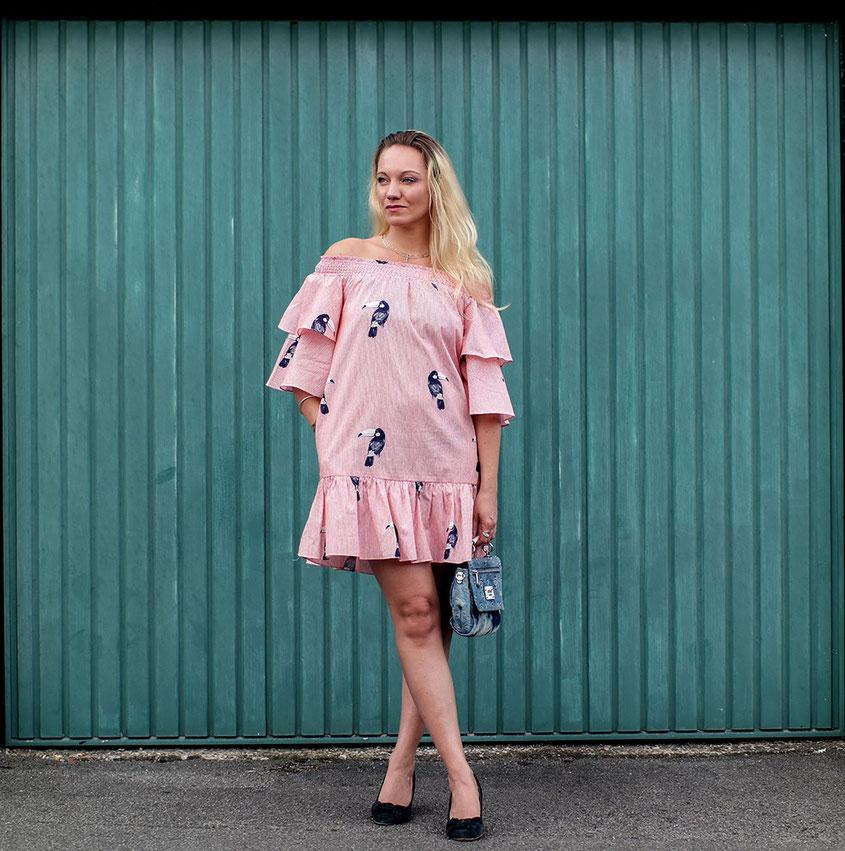 Outfit Volant Sommerkleid von Zara | Coole Rüschen für heiße Tage | Hot Port Life & Style | 30+ Style Blog