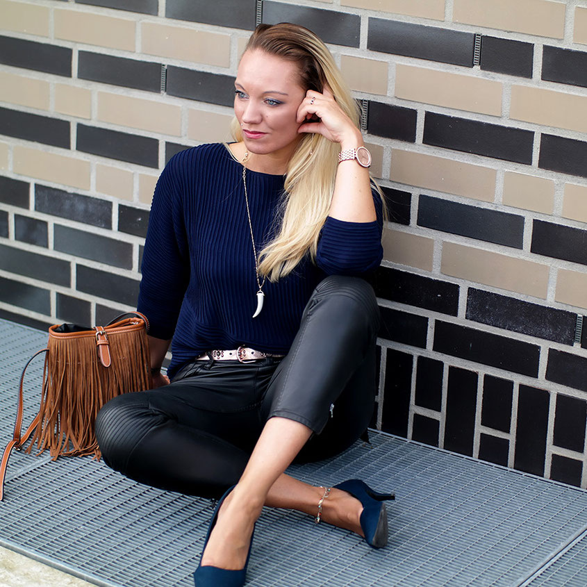 Outfit Mystic Blue | Ein mystisches Mitternachtsblau im rockigen Bikerlook | hot-port.de | 30+ LifeStyle Blog