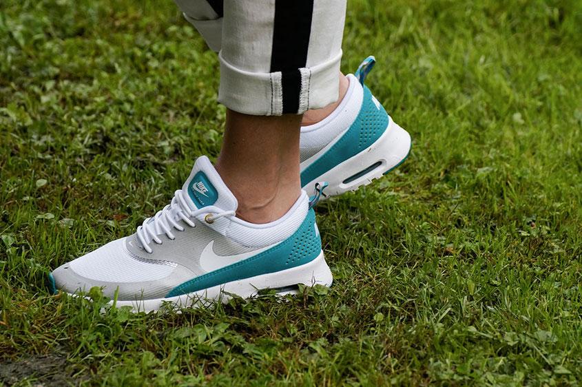 Franny´s erstes echtes Outfit | Ein Selbstversuch auf einem Lifestyle Blog | Franny´s Favoriten: Nike Air Max Thea metallic silver