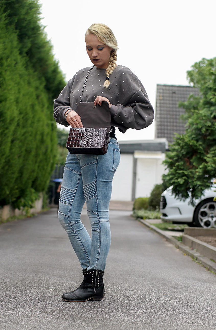 Herbstlook   Zara Nietenpulli & G-Star 5620 Custom Mid Biker Jeans   hot-port.de   Lifestyle & Fashion Blog