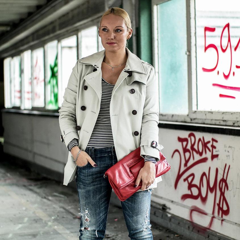 Ein immens hoher Coolness Faktor ist Dir mit dem Trenchcoat The Belle Trench von Superdry garantiert   Outfit Trend   hot-port.de   30+ Fashion & Style Blog