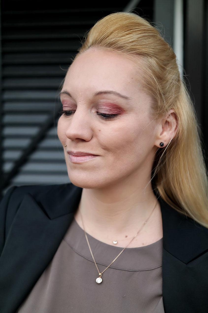 Beauty Tipp | Roter Lidschatten zu blauen Augen? Verführerischer geht es kaum Dank Dior Blazing Gold | hot-port.de | Franny Fine | Lifestyle Blog
