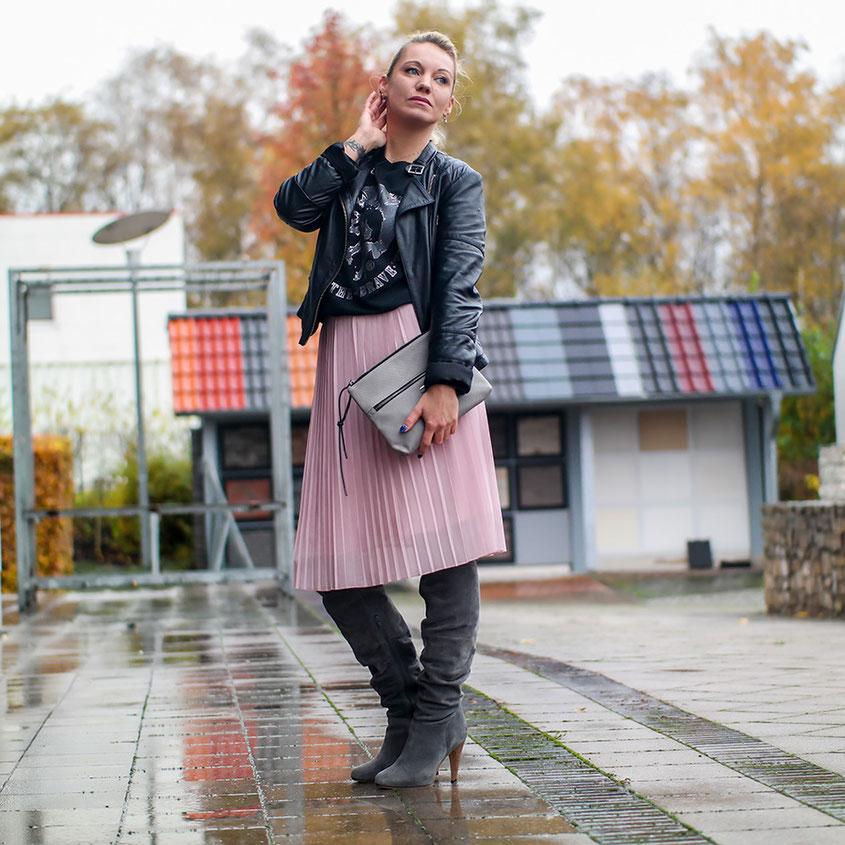 Outfit Style | Graue Maus? Von wegen! | Warum Grau als Trendfarbe wieder voll angesagt ist | hot-port.de | 30+ Style Blog