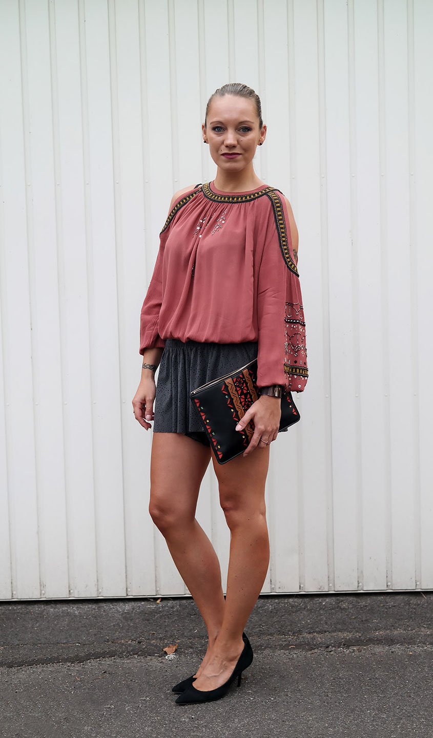 Herbst Look aus Lasercut Shorts & Free People Tunika | hot-port.de | 30+ Lifestyle & Fashion Blog