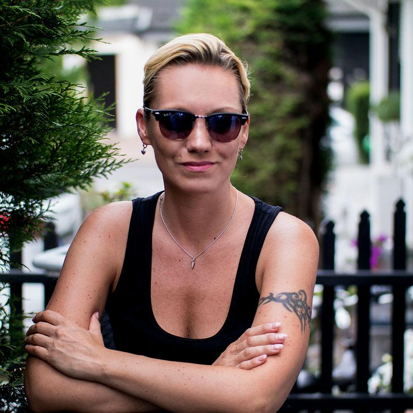 Ich liebe Sonnenbrillen! Das war schon immer so & wird vermutlich auch immer so bleiben, weswegen ich mich in diesem Sommer für ein personalisiertes Modell der Ray Ban Clubmaster entschieden habe | Hot Port Life & Style | Mode & Lifestyle Blog