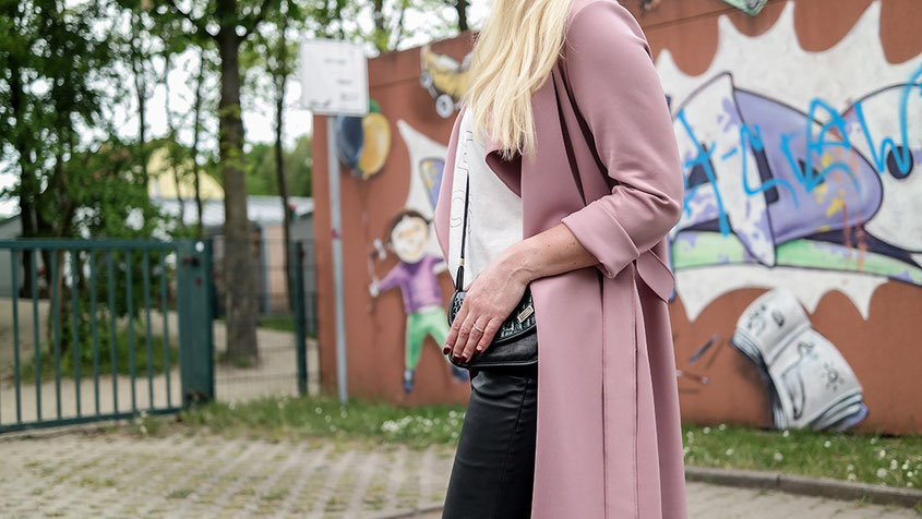 Outfit | Cream & Gold | Pretty Little Thing Scuba Waterfall Coat | hot-port.de | 30+ Fashion & Lifestyle Blog