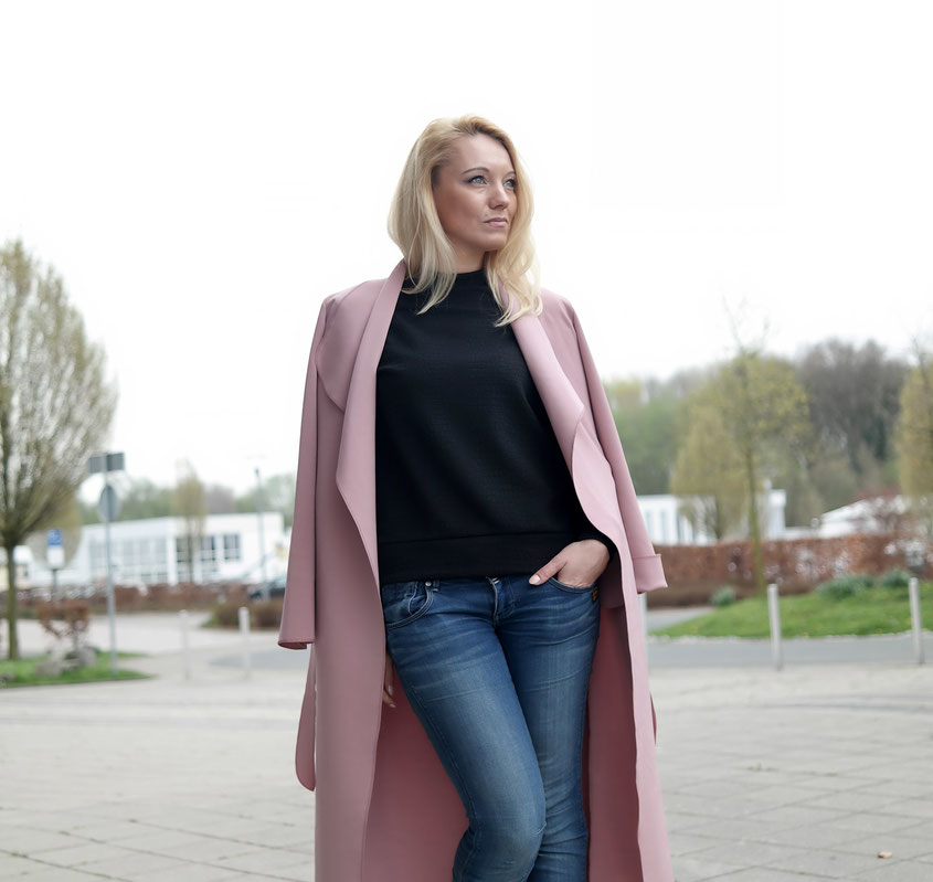 Outfit Scuba Waterfall Coat | Wasserfall Mantel von Pretty Little Thing | hot-port.de | Lifestyle & Fashion Trends
