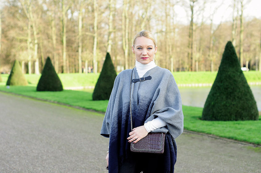 2 Basics / 2 Outfits / Pepe Cape & Overknees / Kulisse Schlosspark Nordkirchen