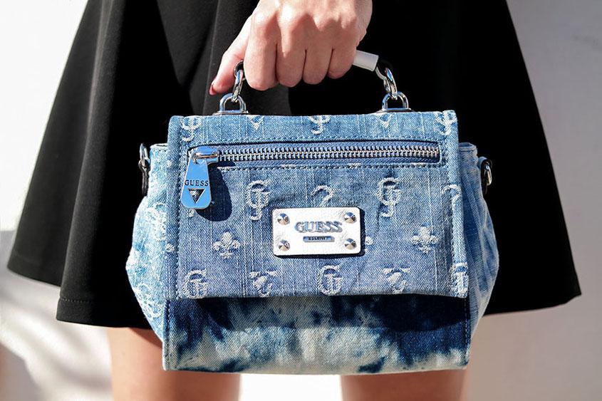 Outfit Herbstsonne   Jeanstasche von Guess Modell Langley und Fornarina Rock