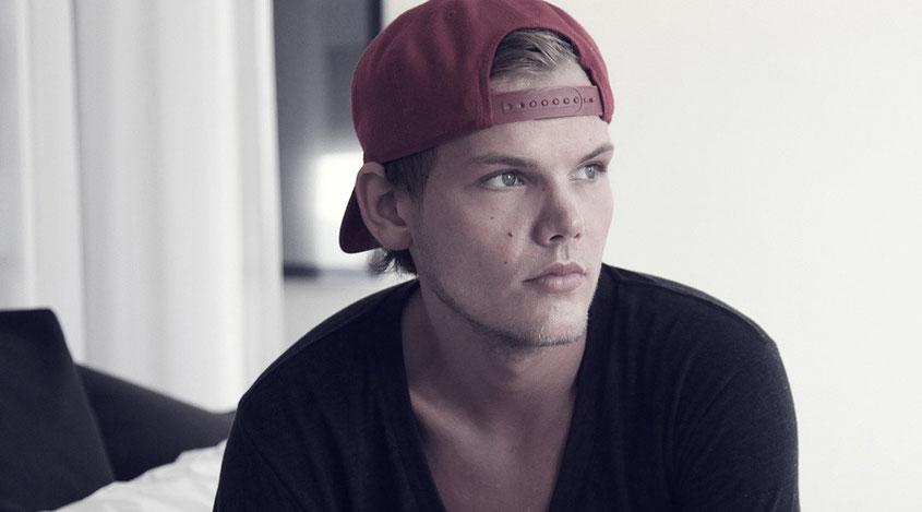 Avicii | Tim Bergling, der Super DJ mit dem süßen Bübchen Charme ist von uns gegangen | Ein sinnloser Tod der viel zu früh kam | hot-port.de | Lifestyle Blog