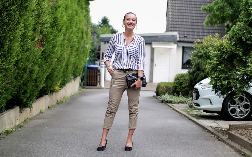Outfit G-Star Bronson Chino, Streifenbluse & Wedges zur Rebecca Minkoff Tasche | hot-port.de | 30+ Style Blog