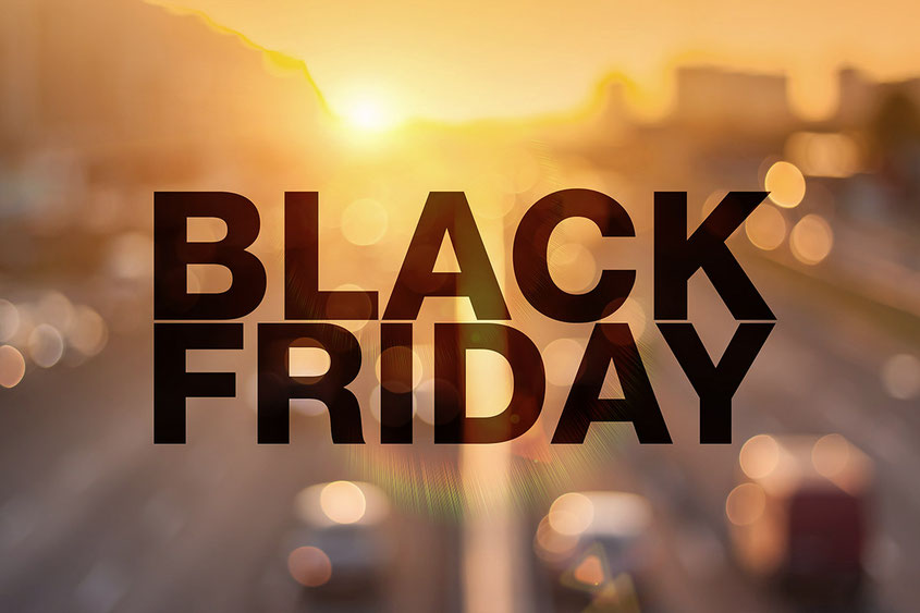 Hochangepriesene Prozente Highlights wie Black Friday oder Cyber Monday sind inzwischen der Lifestyle Trend schlechthin: Doch bringen diese Schnäppchen Aktionen tatsächlich was oder geht Ihr diesem Wahnsinn nicht auf den Leim? | Hot Port Life & Style | Deutscher Lifestyle Blog