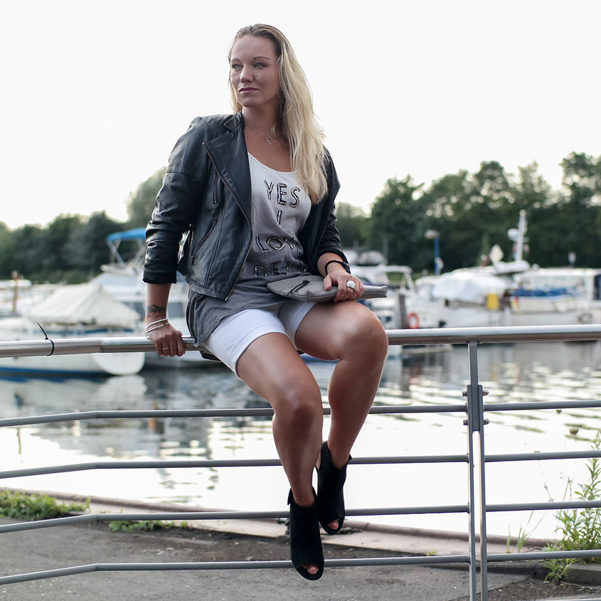 Outfit Weiße Jeans Shorts & Ombre Shirt Yes I Love Denim von Herrlicher | hot-port.de | 30+ Style Blog