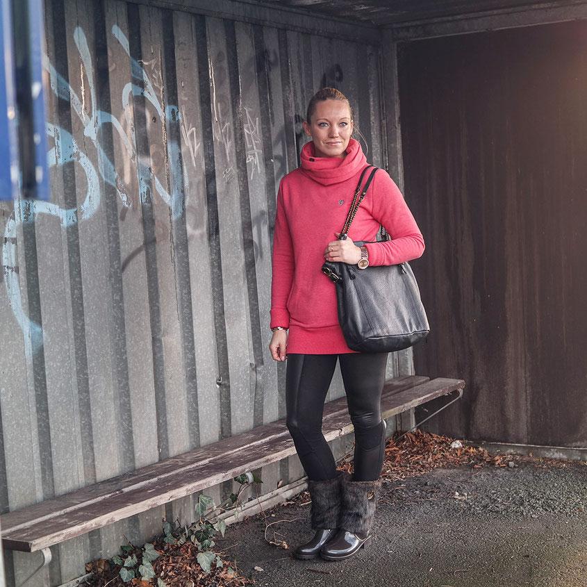 #ilovemyhoodie | Naketano Darth Long Hoodie und Lemon Jelly Gummistiefel sind mein Gute-Laune-Outfit gegen Schlecht-Wetter-Frust | hot-port.de | 30+ Blog