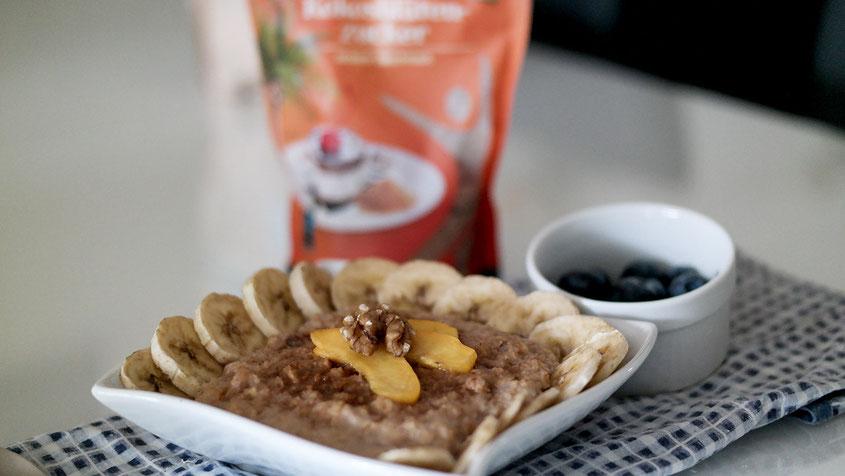 Walnuss Bananen Porridge mit Kokosbluetenzucker | Der gesunde Ernährungstrend zum Frühstück | hot-port.de | 30+ Lifestyle Blog