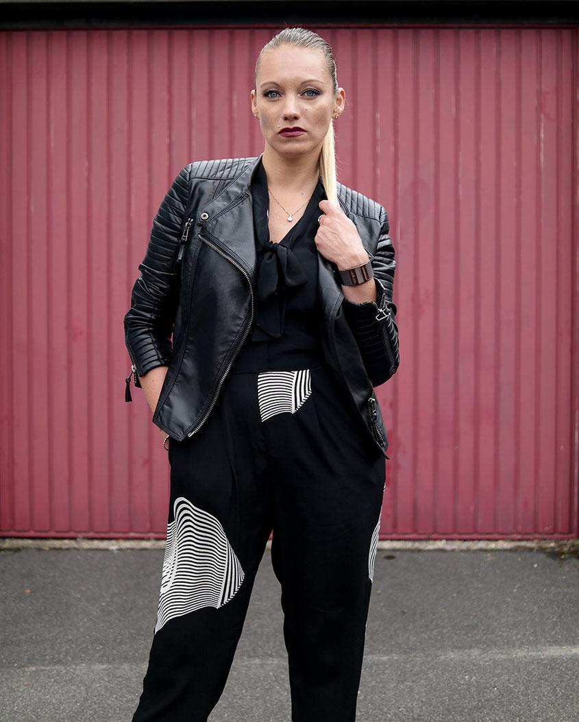 Psychedelic | Paralysierender Overall von River Island zur rockigen Kunstlederjacke von Zara | hot-port.de | 30+ Blog