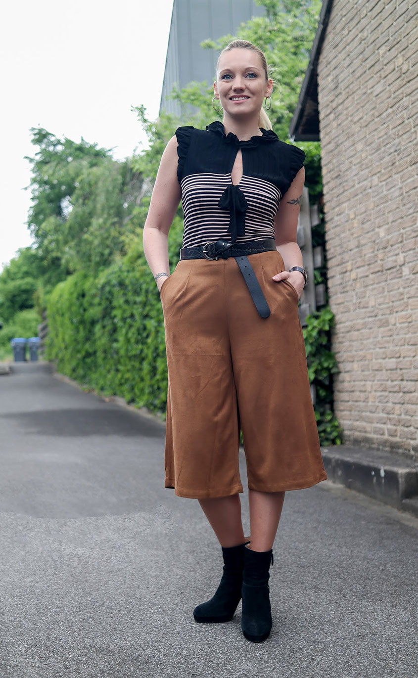 French Chic | Wildleder Culotte & Rüschen Top | hot-port.de | 30+ Fashion & Lifestyle Blog