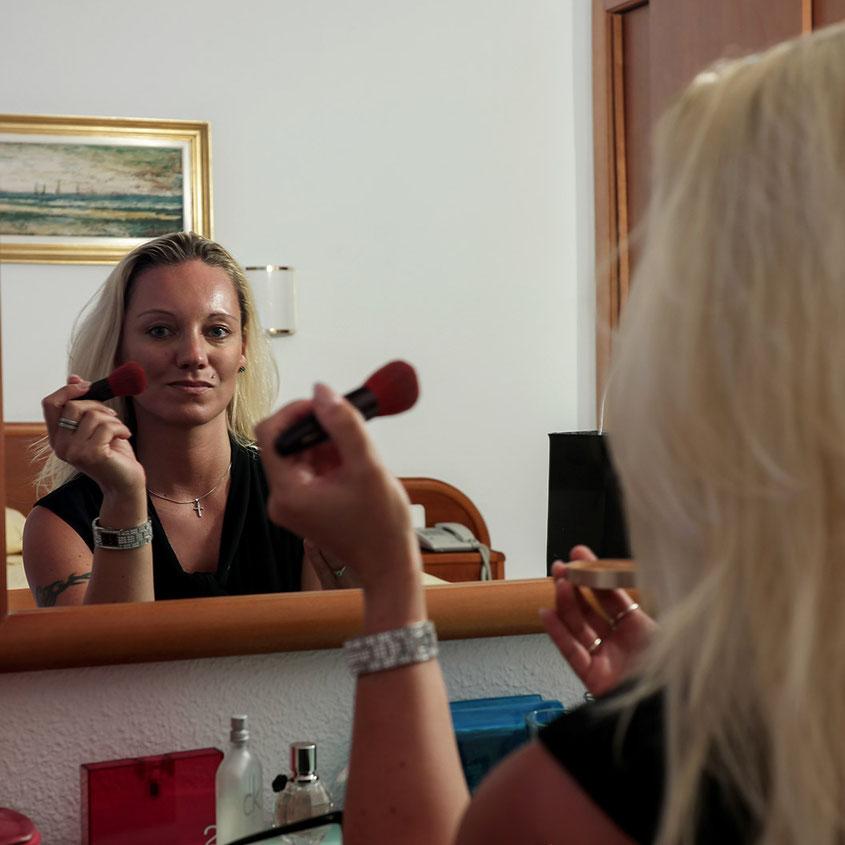 Sonne, Wind, Make-Up - nach dem Urlaub hat die Haut erst einmal gelitten | Zeit, den Zeichen der Zeit entgegenzusetzen | hot-port.de | 30+ Lifestyle Blog