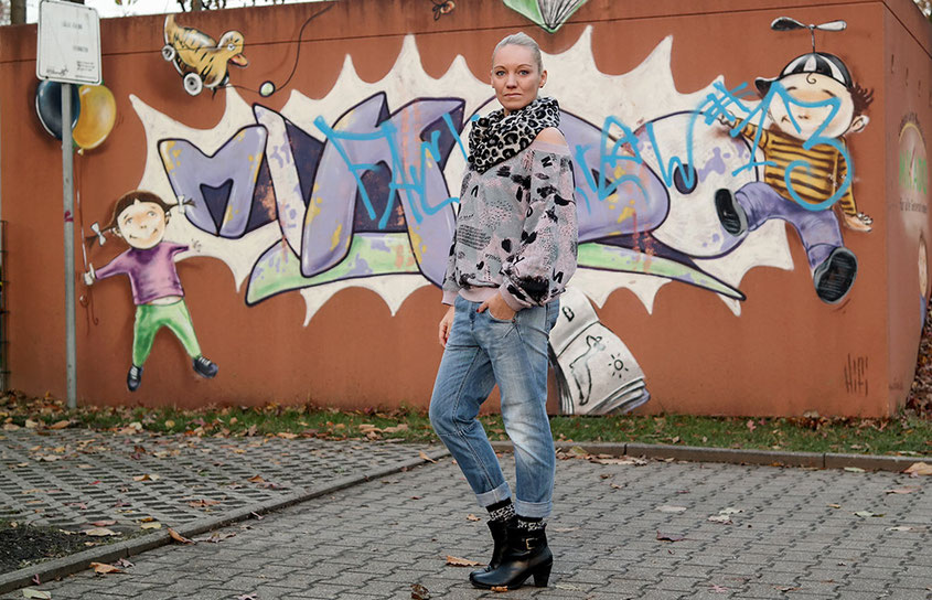 Streetstyle | Diesel Boyfriend Jeans X Leo Look X Cheap Monday Oversized Comic Sweat | hot-port.de | 30+ Style Trends from Germany