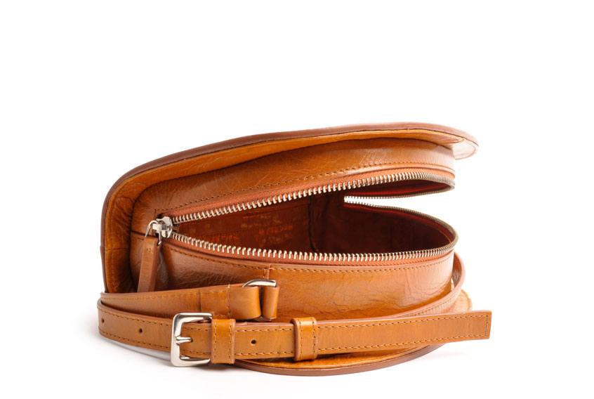 Handcrafted Leather Bag Half-moon  ZOE cognac Leather Manufactory  OSTWALD Traditional Craft