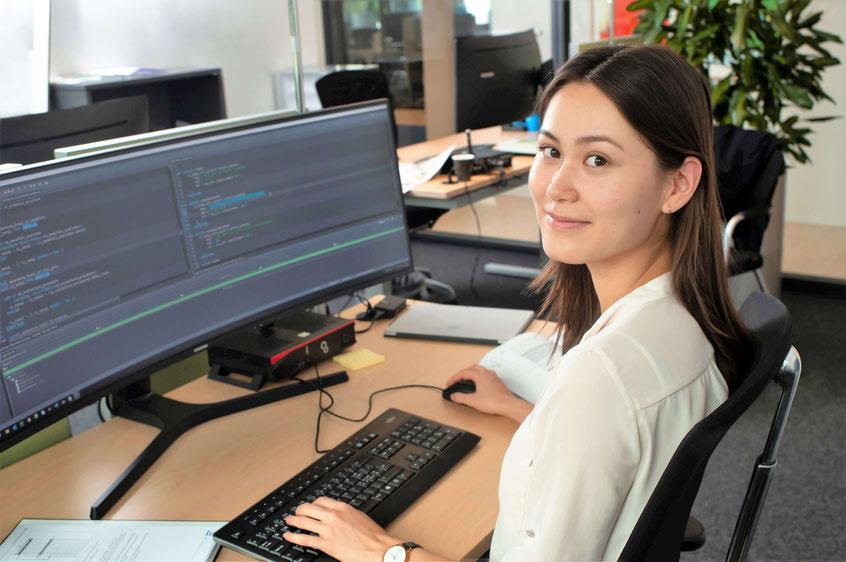 Valerie Bachmann hat drei Jahre Unterricht an der IMS absolviert. Jetzt befindet sie sich im vierten praktischen Jahr in der ABteilung SAP-Programmierung an der CSS Luzern