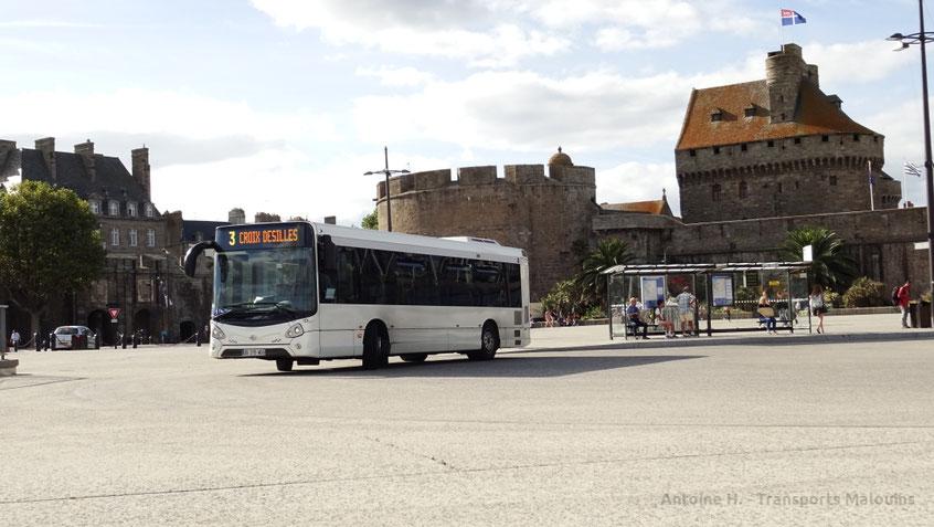 HeuliezBus GX137L numéro 69 en démonstration sur le réseau KSMA engagé sur la ligne 3, quittant Intra Muros pour Croix Desilles sur la ligne 3.