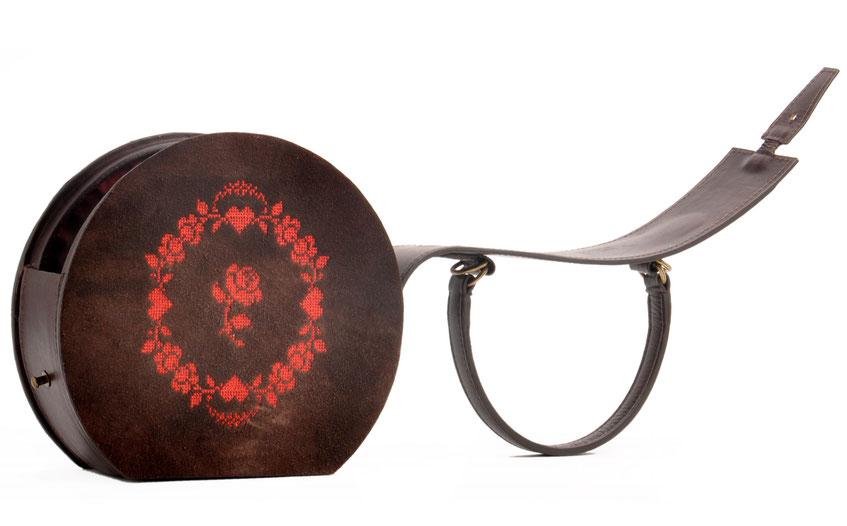 Nostalgische Tasche GRETA  Leder braun Herz Rosen OSTWALD Traditional Craft