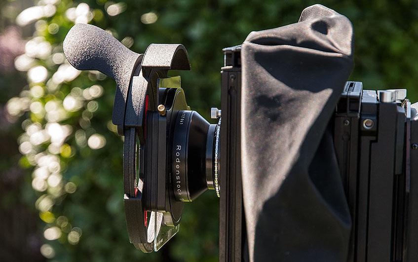 Praxistest Filterprotector im analogen Großformat: SINAR F 4x5 inch mit Rodenstock Grandagon 6,8/90 mm, HAIDA Filterhalter 100 mm mit Grauverlauffilter und Filterprotector mit Weitwinkelblende. www.bonnescape.de