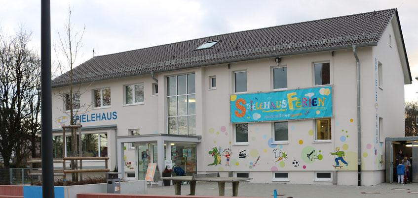 Hauswandgestaltung für das Spielehaus Friedrichshafen - Design by Winghardt