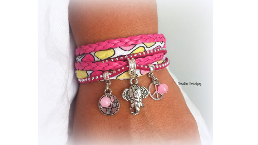 Bracelet GANESH manchette 2 tours, tête d'éléphant, pièces chinoises trouées, perles, peace and love dans les tons fuchsias et argenté