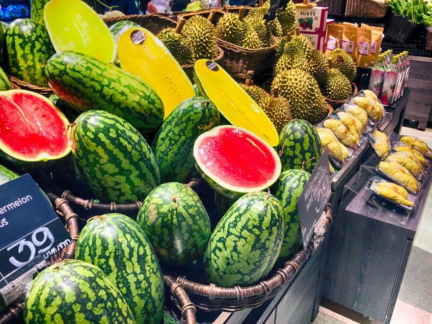Du kannst in Thailand jede Menge frische Früchte genießen