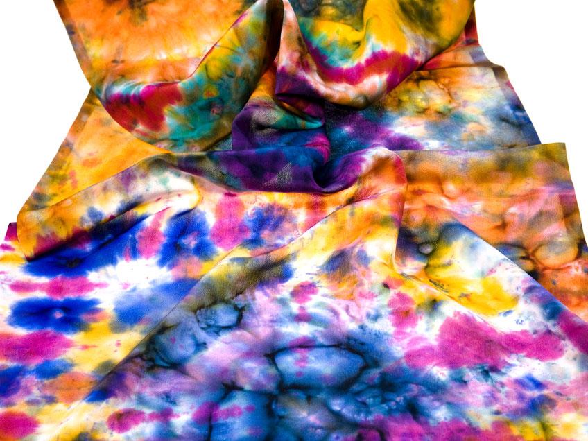 Seidenschal bemalen mit Batik Mustern
