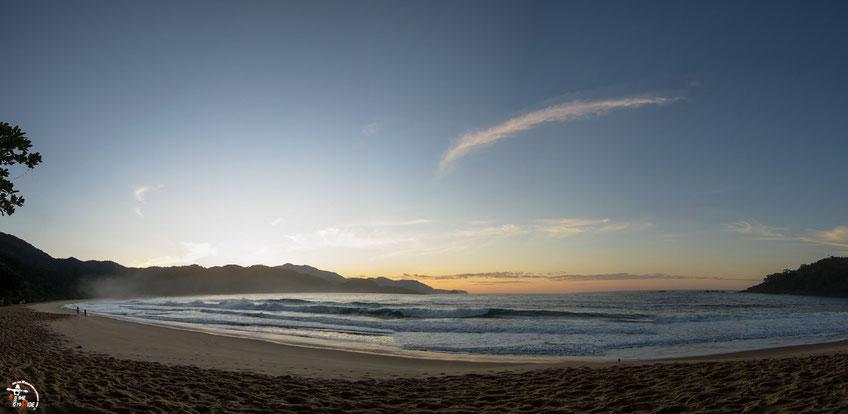 Brasilien - Südamerika - Motorrad - Weltreise - Traumhafter Sandstrand in Trindade