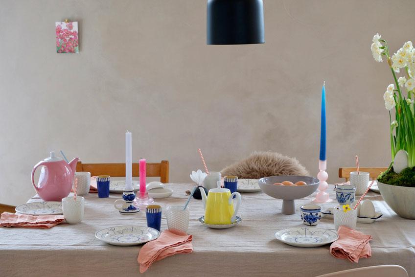 dieartigeBLOG // Oster-Frühlings-Tischdekoration | #blau #rosa #grau #bunt #zitronengelb